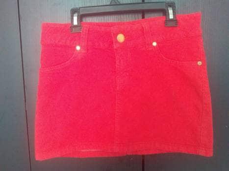 Falda corta roja Studio F