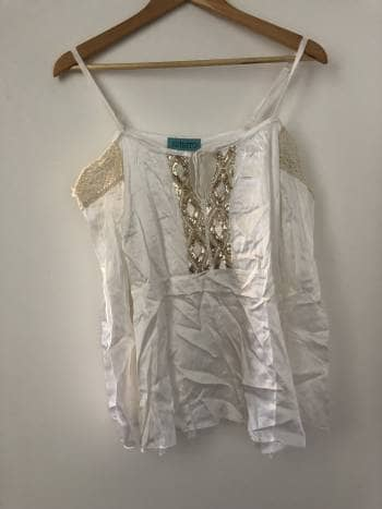 Blusa blanca con dorado Off shoulder
