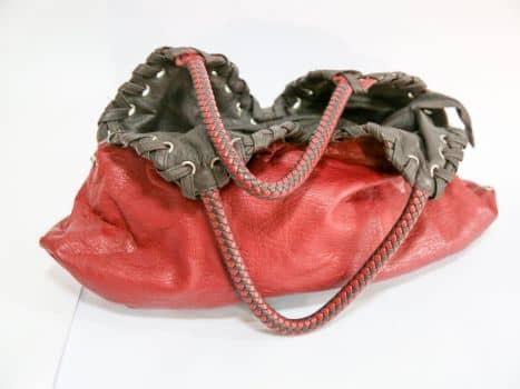 Bolso en cuero rojo oscuro