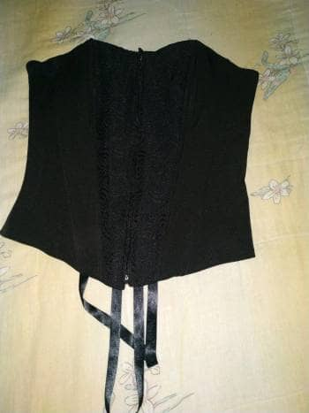 Corset negro de cremallera