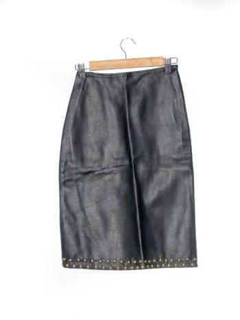 Falda a la cintura con taches