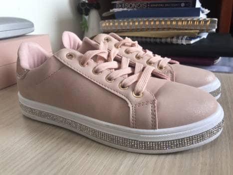 Zapatos tipo tennis casuales